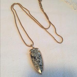 Brandnew Kendra Scott rose gold arrowhead necklace